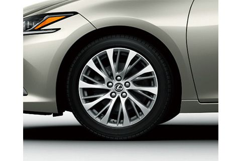 18-inch aluminum wheel