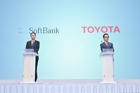 Junichi Miyakawa, Representative Director & CTO, SoftBank Corp. / Shigeki Tomoyama, Executive Vice President, Toyota Motor Corporation