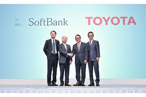 Junichi Miyakawa, Representative Director & CTO, SoftBank Corp. / Masayoshi Son, Representative, SoftBank Group / Akio Toyoda, President, Toyota Motor Corporation / Shigeki Tomoyama, Executive Vice President, Toyota Motor Corporation