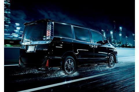 """ヴォクシー 特別仕様車 ZS""""煌Ⅱ""""(7人乗り・2WD)(ブラック)"""