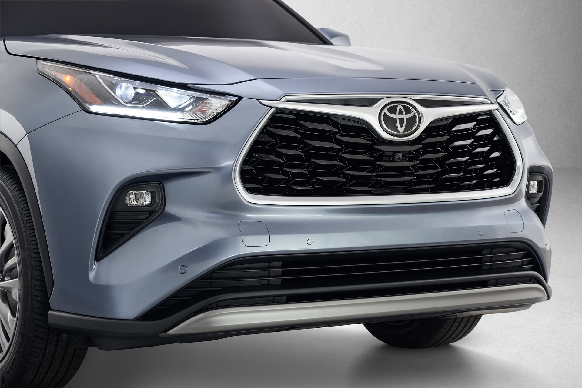 World Premiere of All-New 2020 Highlander at New York