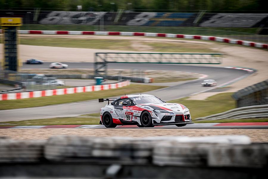 QF race for Nürburgring 24 hours endurance race