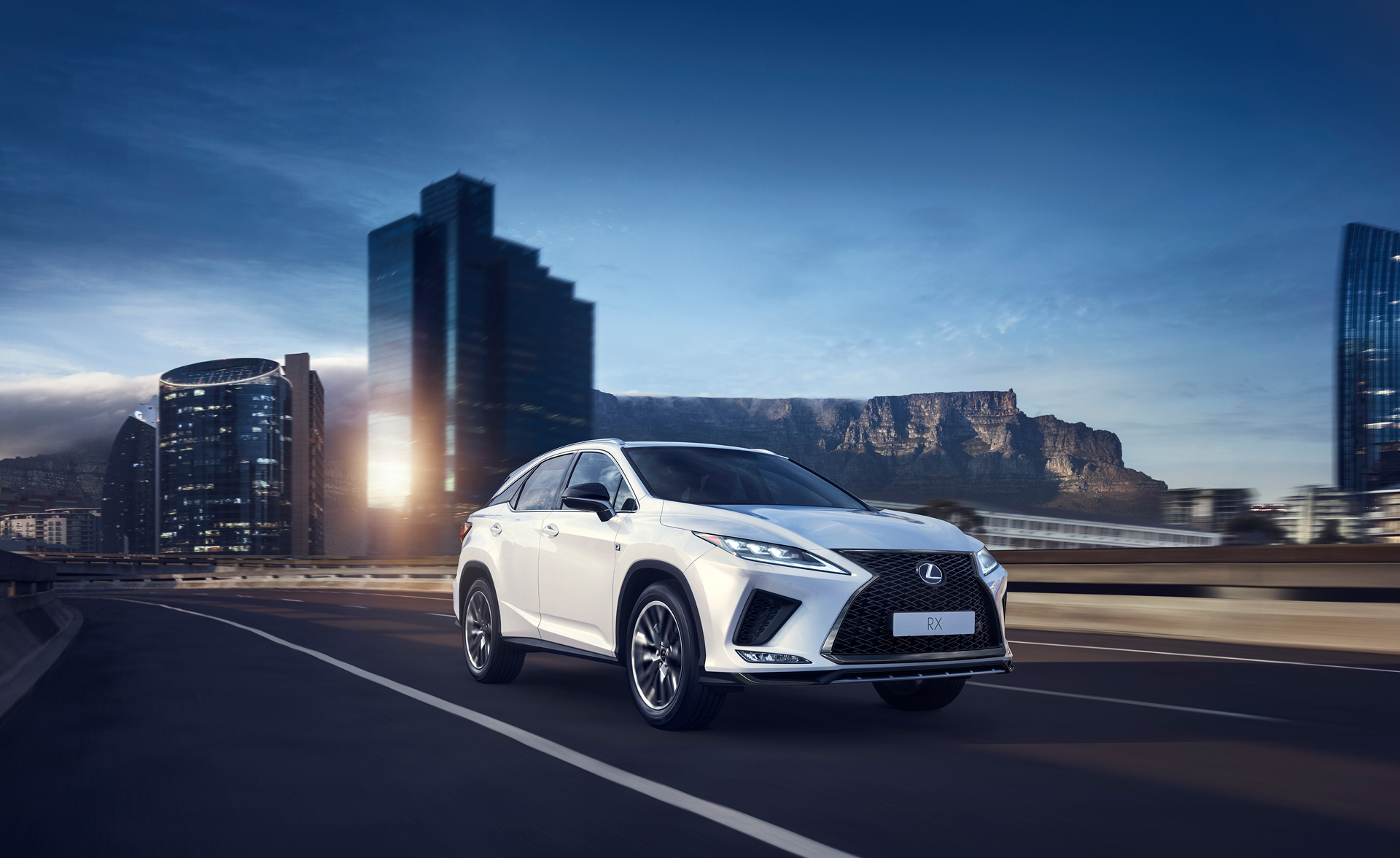 New Lexus RX Makes World DebutThe Pioneer of the Luxury SUV Segment Evolves to New Heights Equipped with the Latest Technology - Image 5