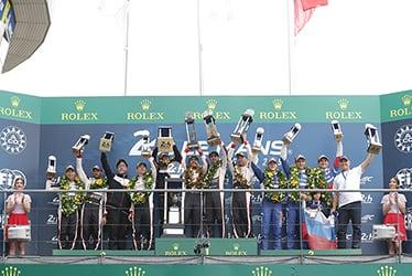 【ドライバー】小林 可夢偉/ホセ・マリア・ロペス/【TOYOTA GAZOO Racing WECチーム代表】村田 久武/【ドライバー】マイク・コンウェイ/【GAZOO Racing Company President】友山 茂樹/【ドライバー】フェルナンド・アロンソ/セバスチャン・ブエミ/中嶋 一貴 2018-19 WEC Round 8 Le Mans 24 Hours