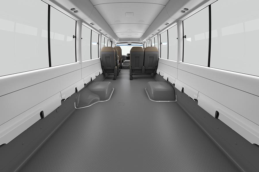 GX(超ロングボディ・13人乗り・6AT車)リヤスペース