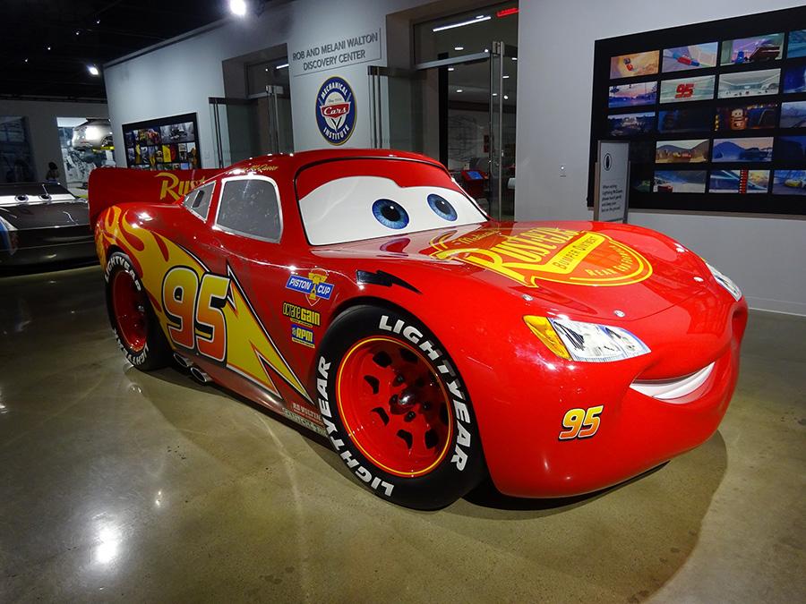 Petersen Automotive Museumにて。映画「カーズ」主人公のライトニング・マックィーン