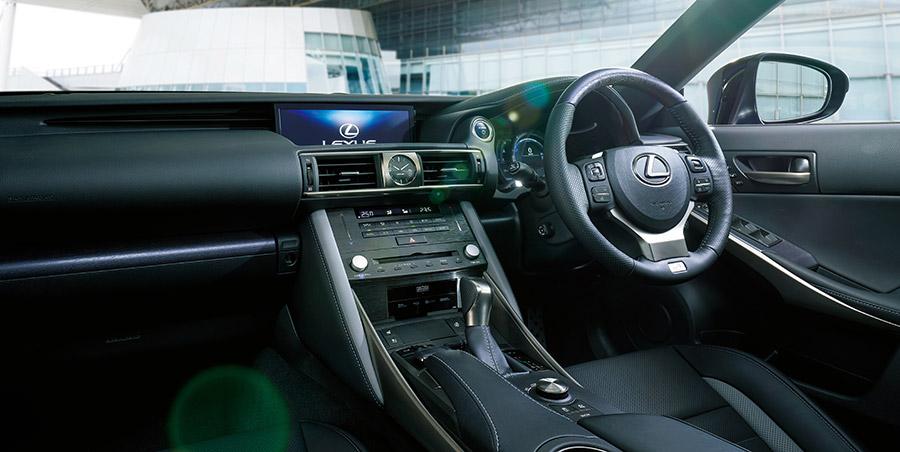 特別仕様車専用ブルーグレーステッチ(メーターフード・ニーパッド・ドアトリム・コンソール)