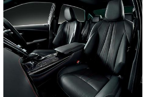 """特別仕様車 S""""Sport Style""""(2.0Lターボガソリン車)(内装色 : ブラック)<オプション装着車>"""