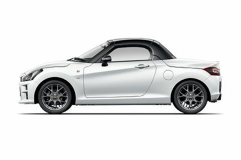 GR SPORT(CVT)(パールホワイトⅢ)<オプション装着車>