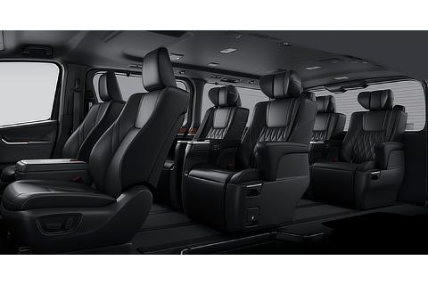 Interior color (Black Seat Black Roof)