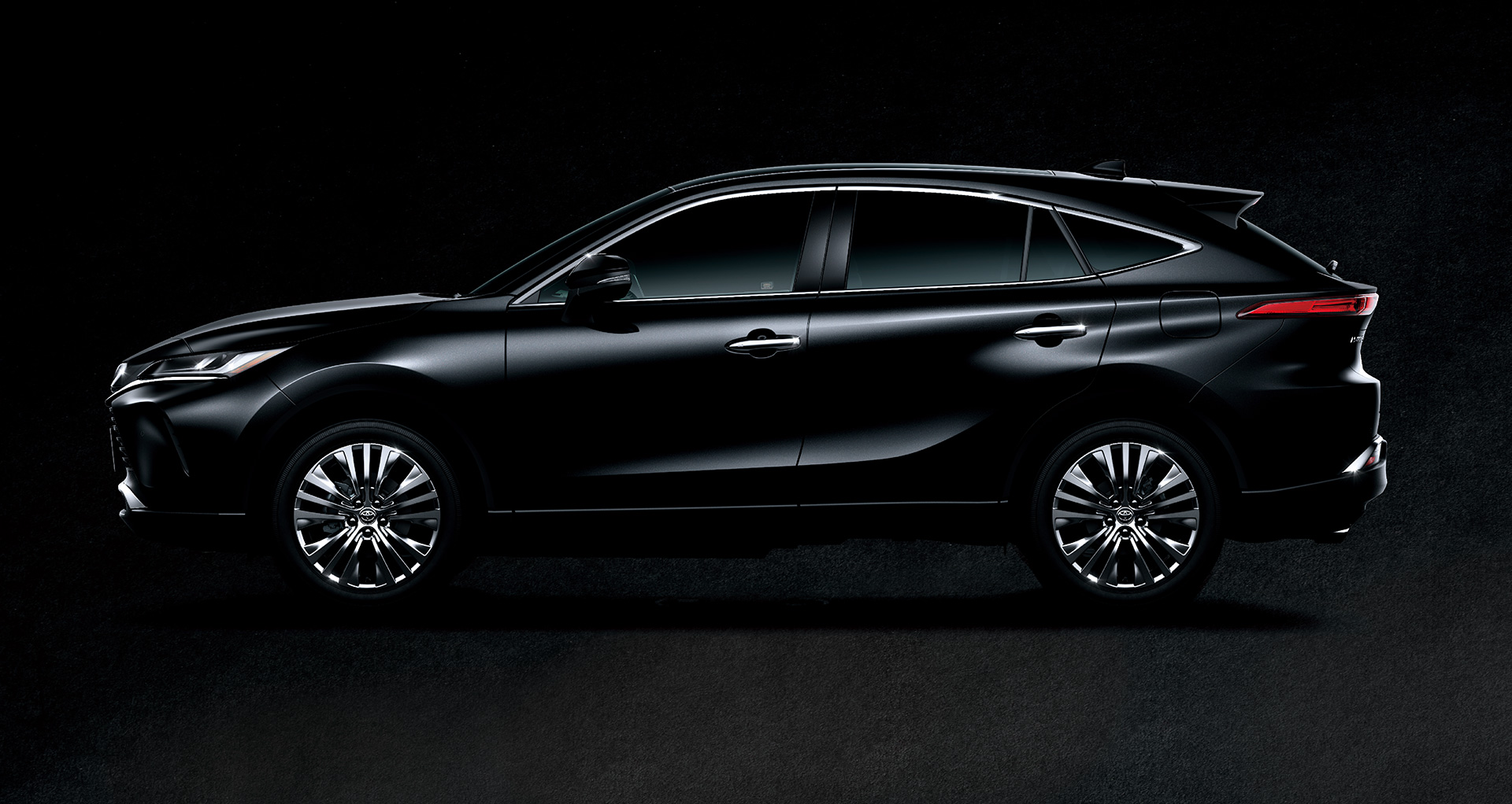 Toyota to Unveil New Model Harrier in JapanOffering a new presence that goes beyond the traditional SUV category - Image 7