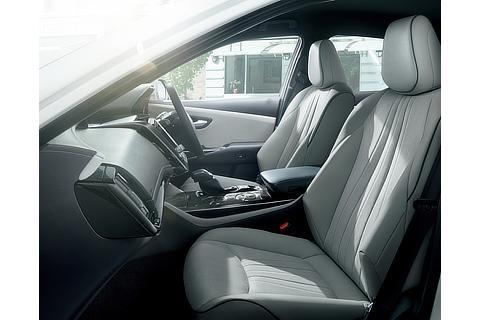 """クラウン 特別仕様車 S""""Elegance Style Ⅱ""""(2.5Lハイブリッド車)<オプション装着車>"""