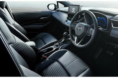 """特別仕様車 HYBRID G""""Style Package""""(内装色 : ブラック)<オプション装着車>"""