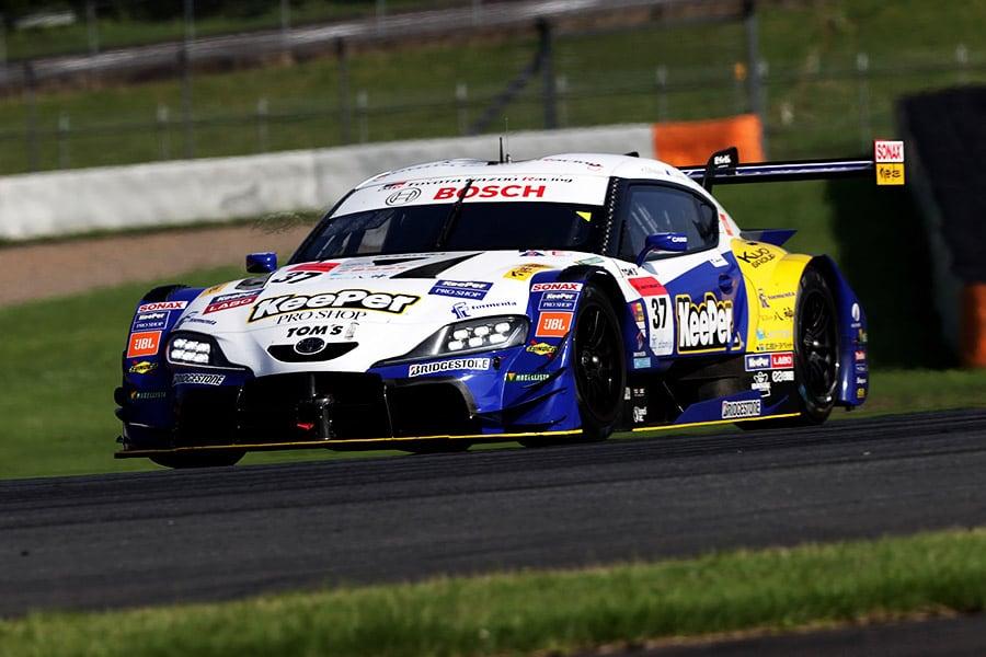 盤石なレース運びでポールトゥウィンを決めたKeePer TOM'S GR Supra 37号車(平川 亮/ニック・キャシディ)