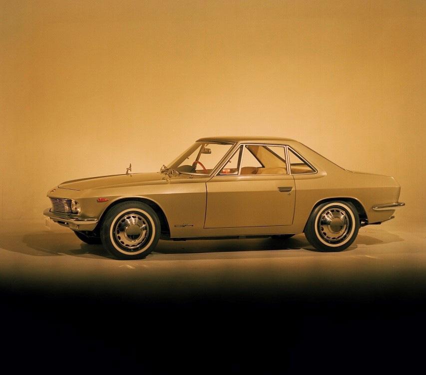 シルビア(1965年)提供 : 日産自動車