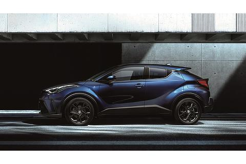 """特別仕様車 G""""Mode-Nero Safety Plus""""(ネビュラブルーメタリック)<オプション装着車>サイド"""