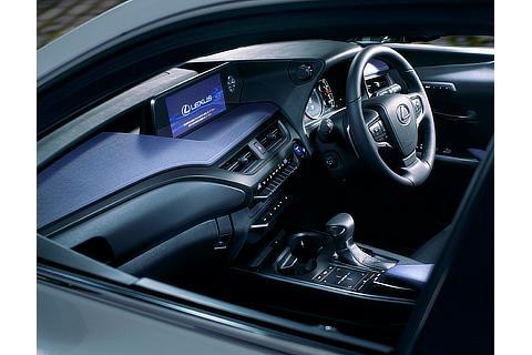 "UX250h 特別仕様車""Urban Elegance""(インテリアカラー : 特別仕様車専用ブラック&ブルー)"
