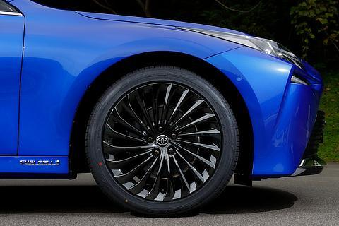 MIRAI(プロトタイプ)245/45ZR20タイヤ&20×8Jアルミホイール(ブラックスパッタリング塗装)