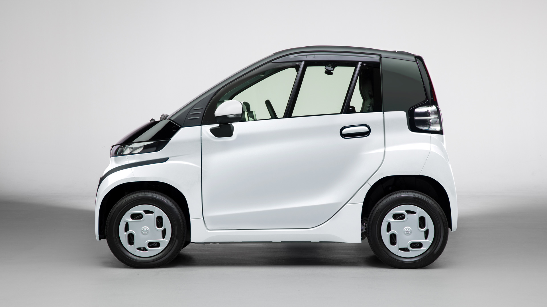 """Toyota Launches """"C+pod"""" Ultra-Compact Battery Electric Vehicle in JapanAn environmentally-friendly two-seater BEV that expands the freedom of movement - Image 6"""