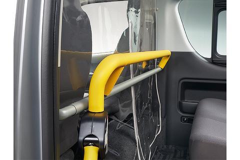 飛沫感染対策セパレータ(車いす仕様車Bタイプ 装着イメージ)