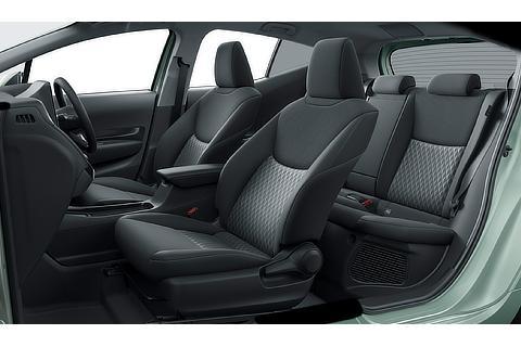 G(2WD)(内装色 : ブラック)<オプション装着車>