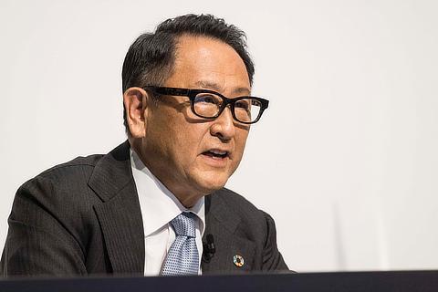 トヨタ自動車株式会社 代表取締役社長 : 豊田 章男