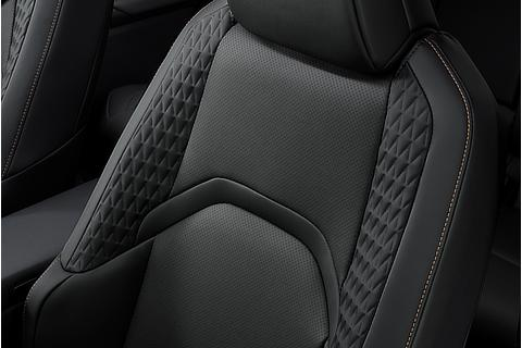 "UX250h 特別仕様車""Elegant Black"" L texスポーツシート"