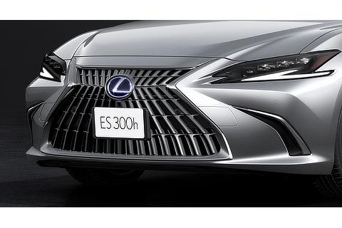 "ES300h""version L""(ソニックイリジウム)<オプション装着車>"