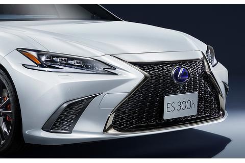 "ES300h""F SPORT""(ホワイトノーヴァガラスフレーク)""F SPORT""専用色<オプション装着車>"