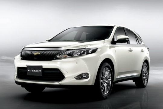 "PREMIUM ""Advanced Package"" (ガソリン4WD車) (ホワイトパールクリスタルシャイン) 〈オプション装着車〉"