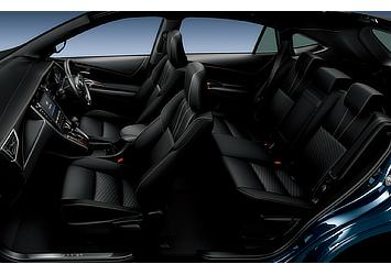 GRAND (ハイブリッド車) (内装色:ブラック) 〈オプション装着車〉