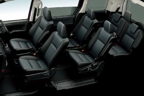 X (ハイブリッド車) (内装色 : ダークブルー&ブラック) 〈オプション装着車〉