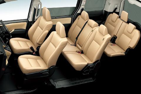 G (8人乗り・2WD) (内装色 : アイボリー) 〈オプション装着車〉