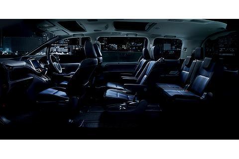 ZS (7人乗り・2WD) (内装色 : ダークブルー&ブラック) 〈オプション装着車〉