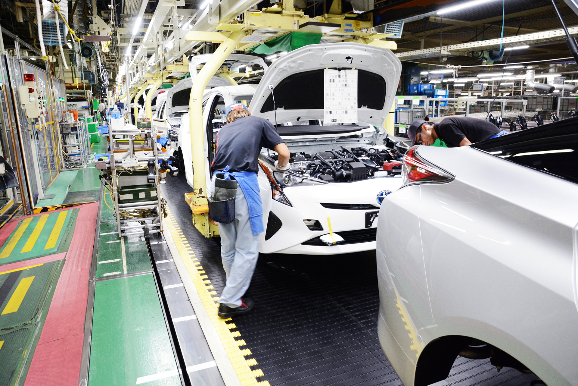Totally clean car manufacturing at an environmentally friendly production plant