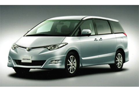 """The Estima """"Aeras"""" """"S Package"""" (2.4-liter, front-wheel-drive, seven-seat vehicle)"""